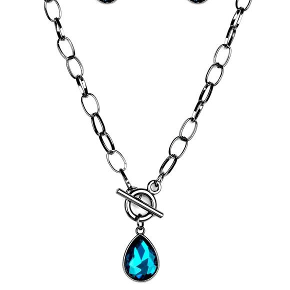 Beautiful toggle necklace